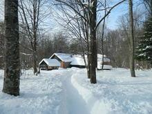 Территория турбазы Серебряный ключ, Охотничий дом зимой
