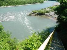 Оборудованный спуск к реке Белая, ГД Юлена, фото лето 2018 г.
