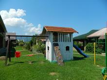 Территория гостевого дома Юлена, фото лето 2018 г.