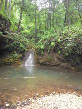 Милые водопады в каньоне реки Фарс