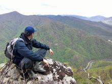 Вид на Трезубец с хребта Азиш-тау